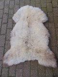 V02P70, 112x84cm, dik zacht schapenvacht_