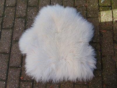 KV2P69, klein dik schapenvacht, 64x60cm, S