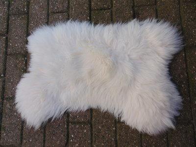 KV12P69, klein dik schapenvacht, 70x55cm, S