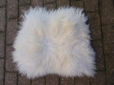 KV13P69, klein dik schapenvacht, 56x56cm, S