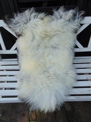 V03P70, 110x73cm, dik langharig schapenvacht