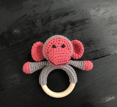 R5P72, rammelaar, handgemaakt, aapje