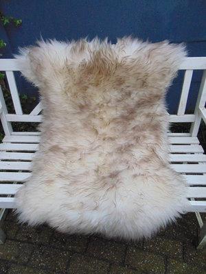 V11P71, 130x86cm, dik langharig schapenvacht