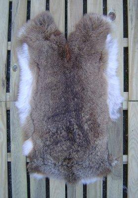K21P48, konijnenvacht huid, 57x36cm, Size M