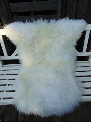 V4P66, 133x83cm,  dik groot schapenvacht, creme-wit