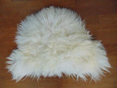 KV4P68, klein dik schapenvacht, 65x48cm, S