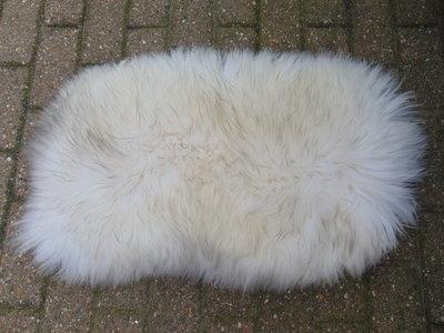 KV2P70, klein dik schapenvacht, 78x54cm, S