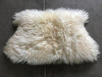 KV6P71, klein dik schapenvacht, 66x39cm, S