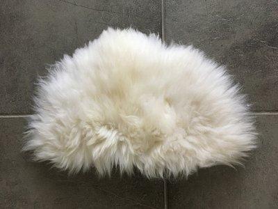 KV13P71, klein dik schapenvacht, 53x35cm, S